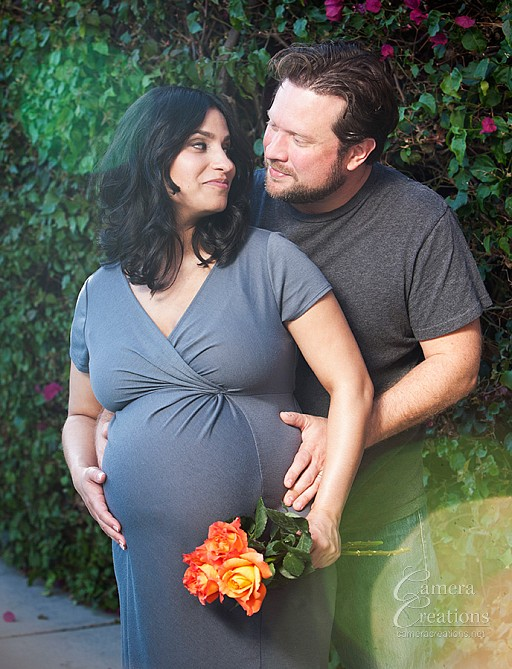 Maternity photography session in los angeles at at home.