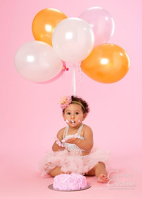 Baby photography session at Camera Creations photography studio. #smashthecake #babyportrait