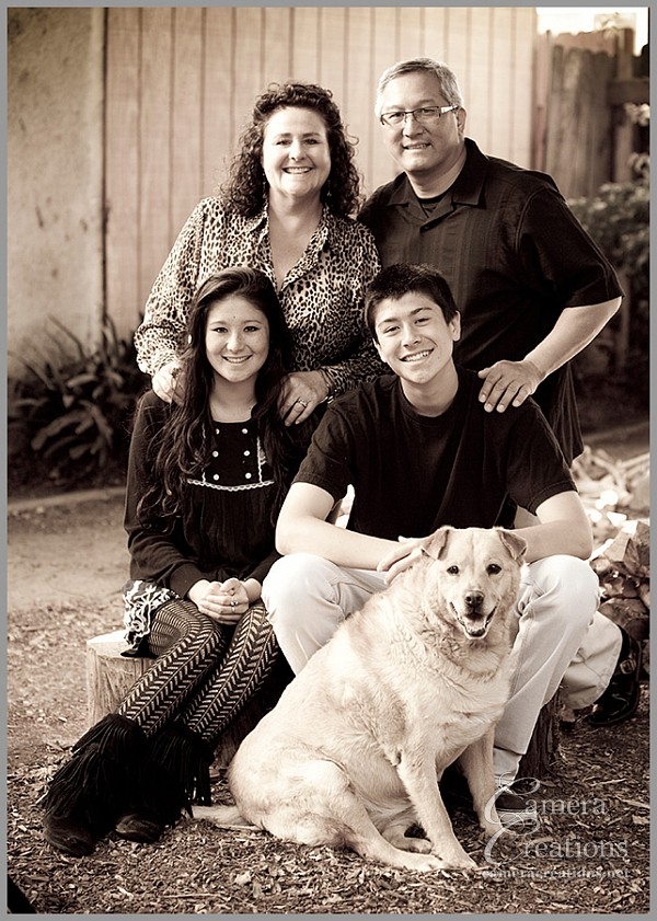 Family portrait photography session outdoors by Camera Creations LLC in Los Angeles.